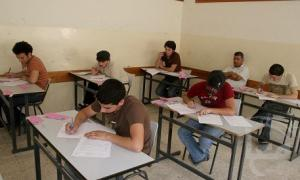 """"""" ذبحتونا"""" : نتائج صادمة لامتحان التوجيهي"""