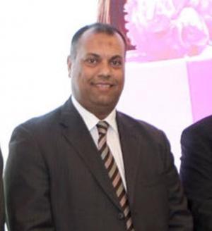 ابو مرجوب يطلب حفظ حقوق العاملين بفندق ميرديان عمان