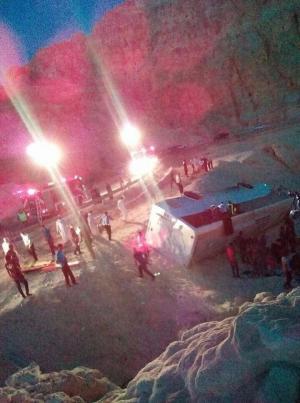 8 وفيات و 36 اصابة بتدهور حافلة تقل معتمرين بالطفيلة