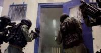 الأسرى يغلقون سجن جلبوع اثر اقتحام وحشي من الإحتلال