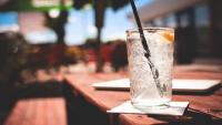 هل تتسبب الكحول في الإصابة بالسرطان ؟