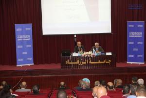 رئيس جامعة الزرقاء يلتقي أعضاء الهيئة التدريسية