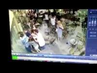 """عادم مركبة يرعب مئات """"الإسرائيليين""""(فيديو)"""