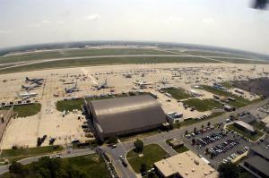 امريكا : إغلاق قاعدة أندروز الجوية بسبب إطلاق نار بداخلها