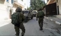 اعتقالات بالضفة والقدس واعتداءات قرب نابلس