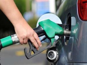 الحكومة: ارتفاع اسعار البنزين عالميا