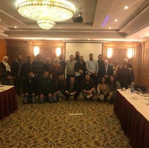 """طلبة """"الشرق الأوسط"""" يشاركون في نشاطات نادي التوستماسترز"""