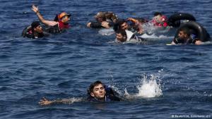 انتشال جثة 41 مهاجرا قرب شواطي ليبيا