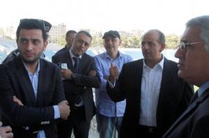 وزير الشباب يتفقد ملعب السوبر