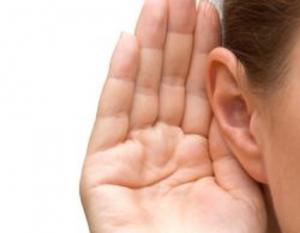بعيداً عن الجراحة ..  تقنية الخيوط لعلاج مشكلة بروز الأذن!