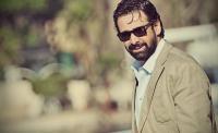 كريم عبدالعزيز يحذر جمهوره (شاهد)