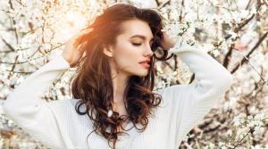علاجات طبيعيّة تحارب تساقط الشعر
