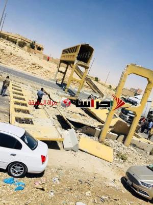 اغلاق جزئي لطريق المطار بسبب سقوط جسر مشاة (صور)