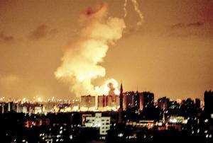 الاحتلال يواصل استهداف المنازل ..  والمقاومة تقصف عسقلان واسدود