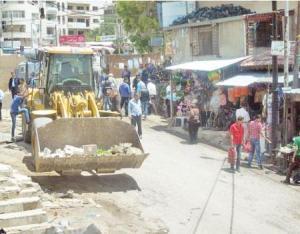 حملة لإزالة البسطات المخالفة في عجلون