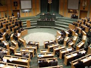 """""""تربية النواب"""" تطالب بمحاسبة المتسببين بـ""""أحداث الأردنية"""""""