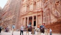 ارتفاع الدخل السياحي إلى 3.5 مليار دينار