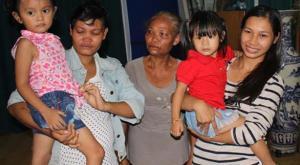 عودة طفلتين لأسرتيهما بعد تبديلهما عند الولادة