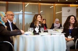 الملكة رانيا تطلع على تحضيرات اطلاق الدبلوم المهني