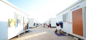 75 حالة عقد زواج في المخيم الإماراتي الأردني للاجئين