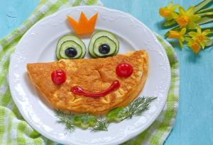 وجبة إفطار طفلك المدرسية ..  ماذا يجب أن تتضمن ؟