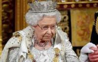 الملكة إليزابيث :تحذر عائلتها في جنازة الأمير فيليب