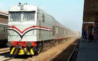 مصر ..  قطار يدهس أما وطفلتيها أثناء عبورهن