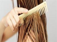 أضرار غسل الشعر يوميًا