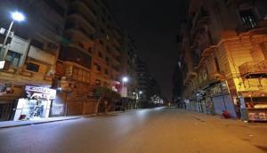 الحكومة: مستمرون بالحظر ليلاً