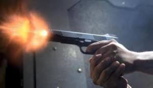 عمان ..  شاب يطلق النار على اخر ويلوذ بالفرار