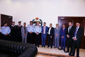 اللواء الحمود يكرم 9 من مرتبات الأمن