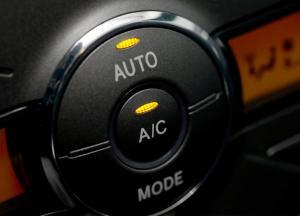 هل يؤثّر المكيّف في إستهلاك الوقود؟