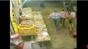 قتل شاب وسحل جثته أمام المارة (فيديو)