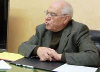 وفاة الكاتب والوزير الاسبق طارق مصاروة