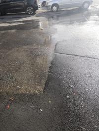 """إنفجار ماسورة مياه في """"الجاردنز"""""""