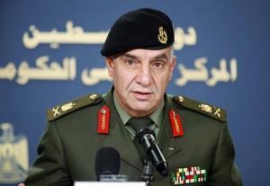 مسؤول فلسطيني: أعداد الضباط تجاوزت الجنود!
