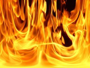 وفاة طفلين جراء حريق منزل في الزرقاء
