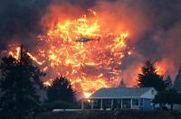 كندا: حرائق الغابات تمتد إلى ما يزيد عن ألف كيلو متر