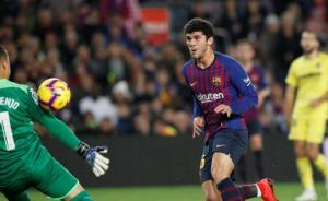 برشلونة يتجاوز فياريال بثنائية