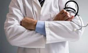 140 طبيبا يتقدمون بشكوى ضد وزارة الصحة وديوان الخدمة المدنية