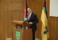أمجد العريان يحاضر عن القيادة الإدارية لطلاب الجامعة الأردنية