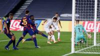 بايرن ميونيخ يتغلب على برشلونة بثلاثية