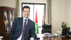 بريطانيا تتوج فلسطينيا بأعلى منصب علمي وأكاديمي