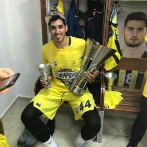 أردني يفوز بلقب الدوري الأوروبي للسلة