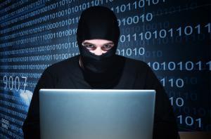 """""""الجرائم الإلكترونية"""" تحذر من اختراق حسابات"""