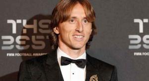 مودريتش يتوج بجائزة أفضل لاعب بالعالم