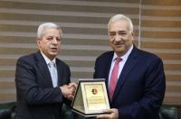 """""""المحامين الأردنيين"""" تكرم جامعة الشرق الأوسط"""