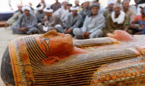 العثور على 30 تابوتا فرعونيا يعود تاريخها لثلاثة آلاف عام (صور)