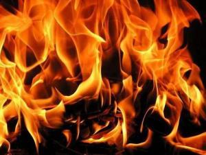 حريق مصنع مواد طبية في سحاب