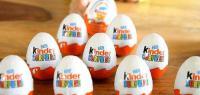 """لعبة مشبوهة في بيضة """"كيندر"""" ..  والشركة تعتذر (شاهد)"""